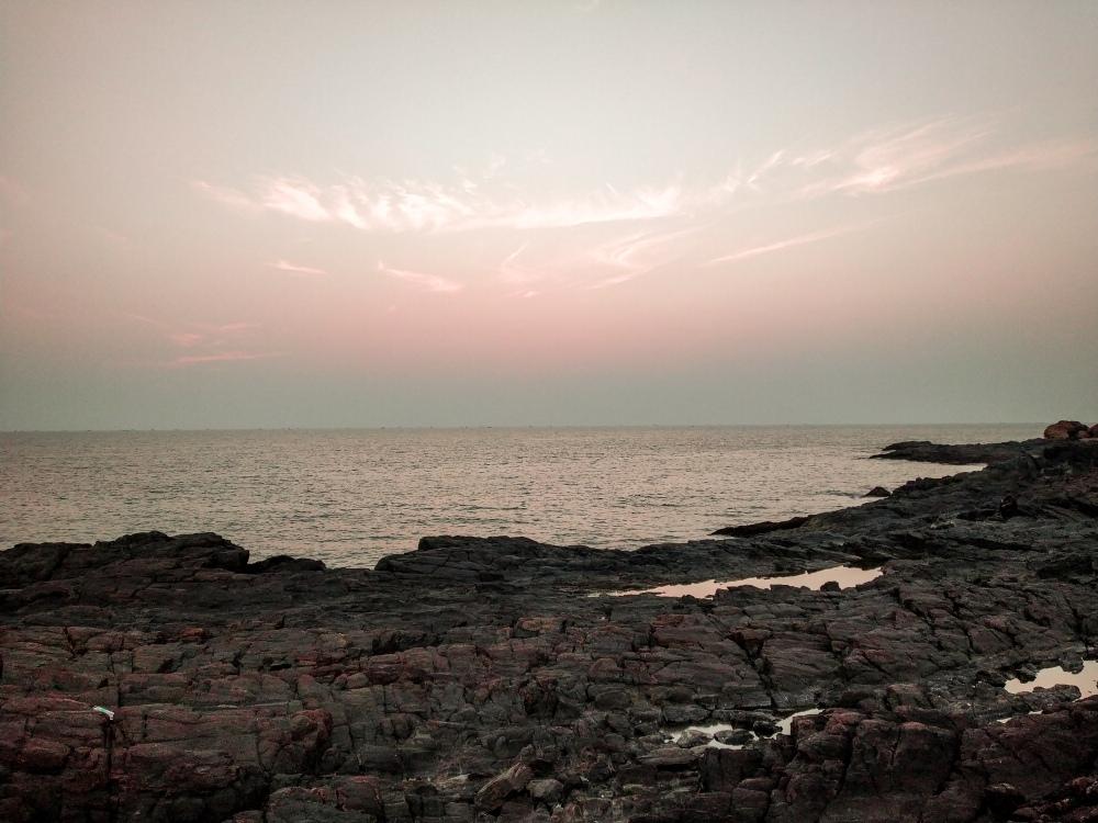 gokarna beach trek om beach